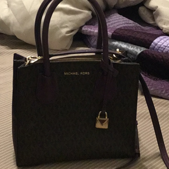 MICHAEL Michael Kors Handbags - Must go, make me an offer on Michael Kors purse!